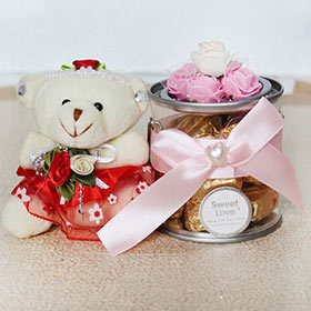 Cute N Yummy Gift - Soft Toys For Sister